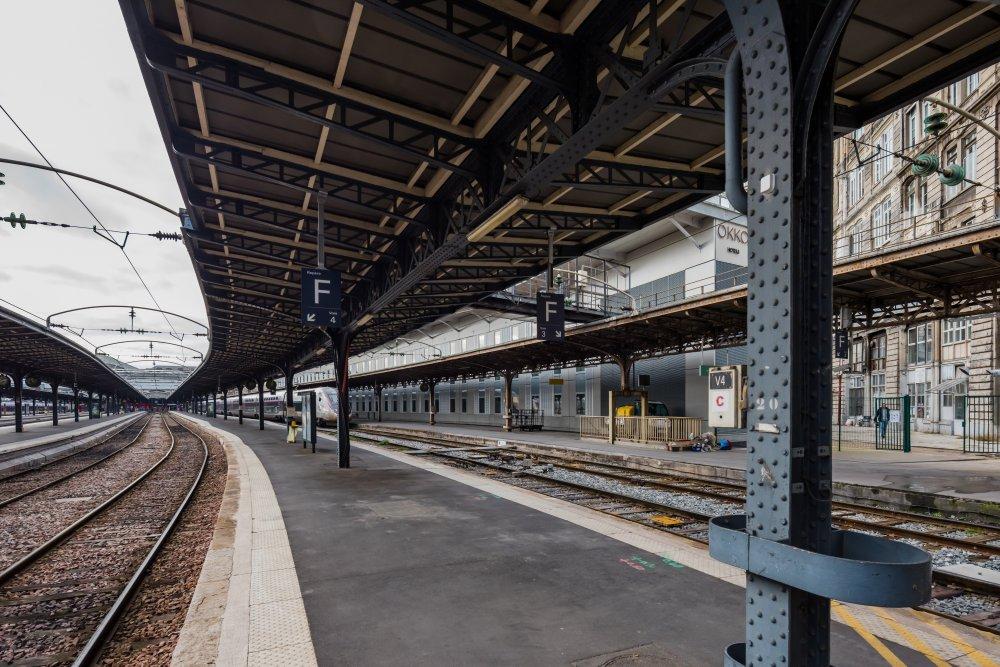 CDG Express - Gare de l'Est - Vue des voies de sortie des quais 1