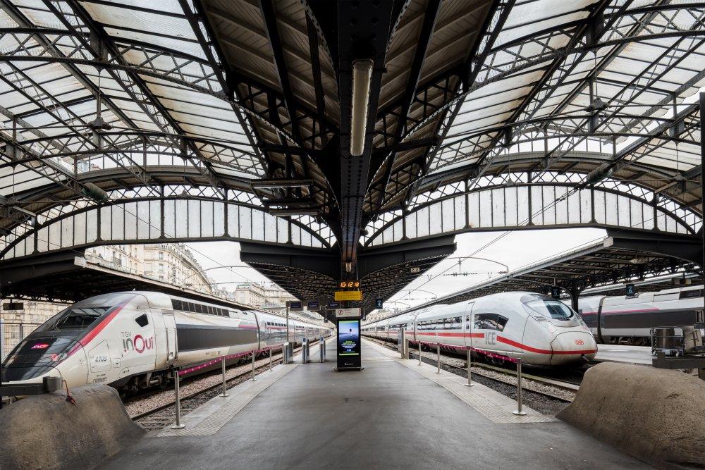 CDG Express - Gare de l'Est - Vue des quais acceuillant le CDG Express 3