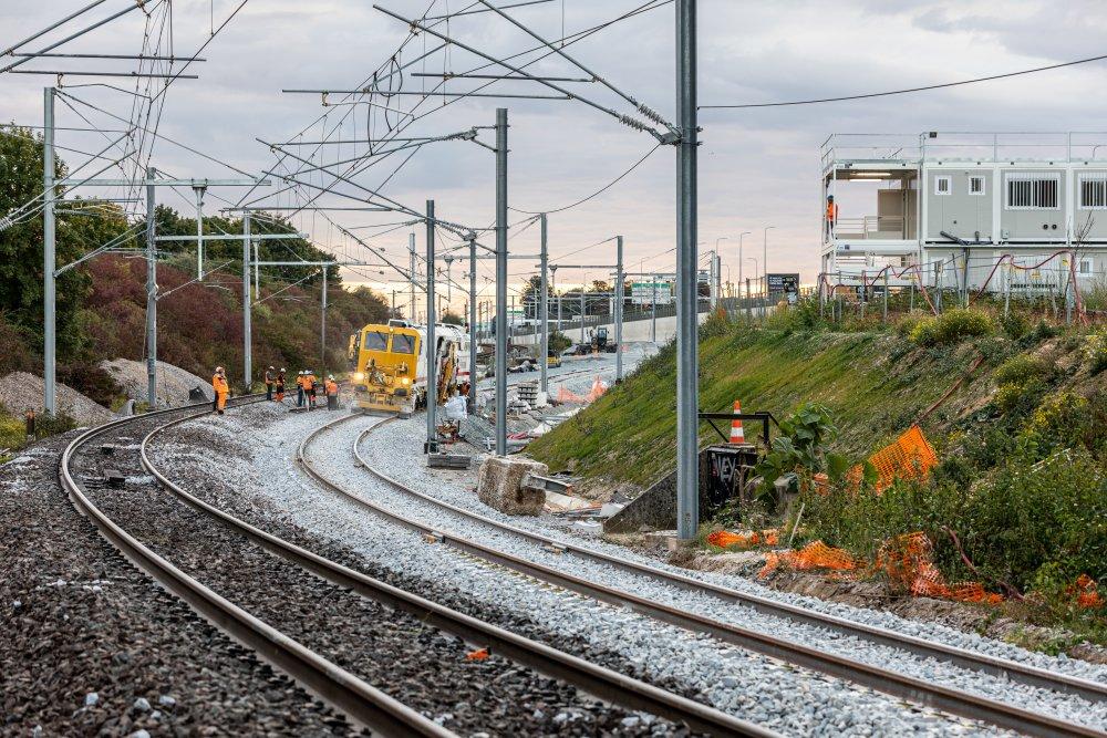 CDG Express - Construction des voies dans un tunnel